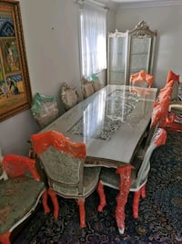 Royal Dining table