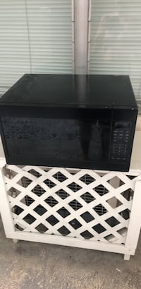 black and gray microwave oven Miami Beach, 33139