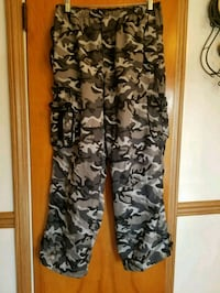 Camouflage Pants Like New Size Large  Arlington Heights
