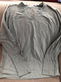 Gray v-neck sweater Kelowna, V1Y 3Z6