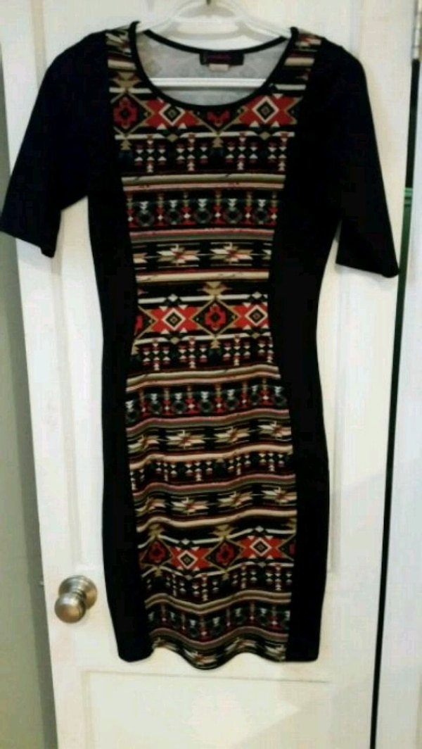 black and red tribal print long-sleeved dress