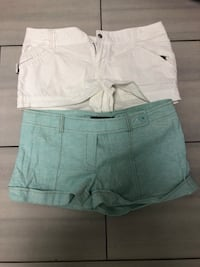 White button-up short shorts small  Brampton, L6W 1S5