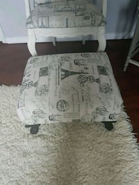 Gorgeous  antique  hassock  Whitby, L1N 8X2