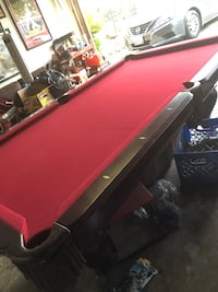 Pool table with light and accessories Jurupa Valley, 92509