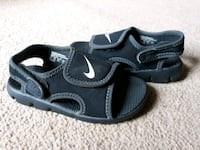 Pre-owned toddler boys Nike sandals size 8c Seaford, 19973
