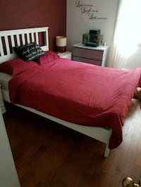 Queen size bed w/ Mattress  Vancouver, V6J