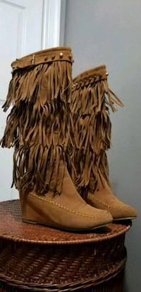 Fringed boots  Woodbridge, 22193