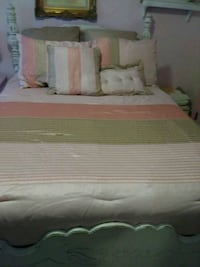 Full size bedspread and pillows Port Neches, 77651