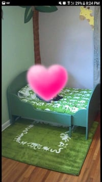 Toddler bed that converts to twin with slats.  Concord, 28025