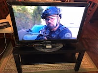 "32"" tv with tv stand and Blu-ray player with netflix Fullerton, 92833"