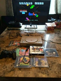 PS1 1 controller with 8 games. Laval, H7S 1L4