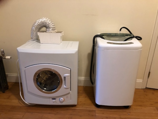 Apartment clothes washer dryer set