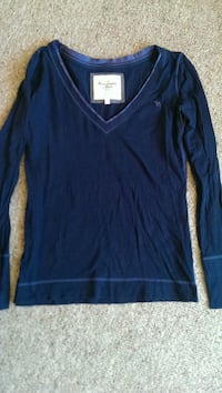 Large Abercrombie+Fitch v neck  Muskego, 53150