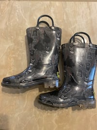 Boy boot (Light up). Size 8