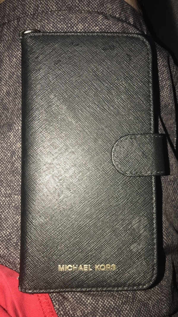 cb8aeeda680b Used Michael Kors iPhone 7 Plus wallet case for sale in Tulsa - letgo