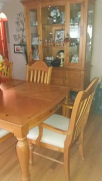 Pine Dining Table Hutch