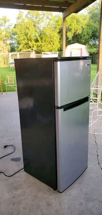 fridge (MAGIC CHEF) Refrigerador Harlingen