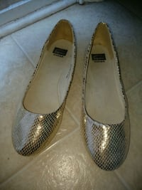 pair of gray leather flats Greer, 29650