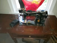 Antique 1940s singer sewing machine table  Falling Waters, 25419