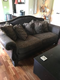 Dark wood and Suede loveseat with 5 cushions Spring Hill, 37179