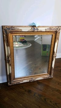 Nicely Framed Mirror, 30in x 24in Clarendon Hills, 60514