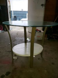Glass side table New Westminster, V3L 2B4