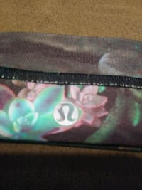 $8$ Lululemon Head Band Floral With Grip Ajax, L1S 3R7