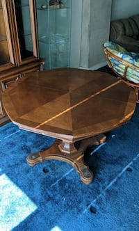 Antique Brown wooden drop-leaf table 43 km