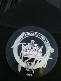 L.A. kings Luc Robitaille Signed puck Lancaster, 93534