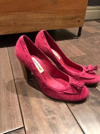 Size 38 Hot pink suede pumps from Spain Toronto, M6K 0A7