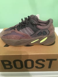 "Yeezy Boost 700 ""Mauve"" Sz 8.5 Silver Spring, 20910"