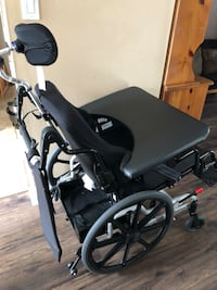 Large wheelchair with head rest & custom tray Toronto, M2N 7K2