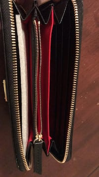 Dooney and Bourke Italian Leather Wallet (Negotiable) New Carrollton, 20784