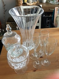 Crystal vase and glassware