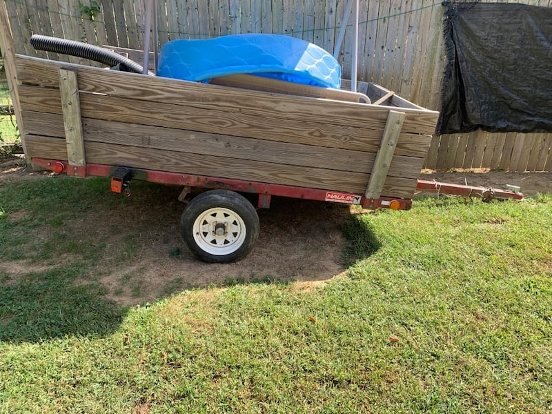Hauling trailer with clean title in hand 1e82decd-3877-4554-aaa4-0d30102aa617