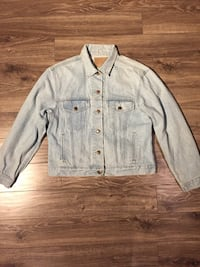 gray button-up jacket Coquitlam, V3K 5E2