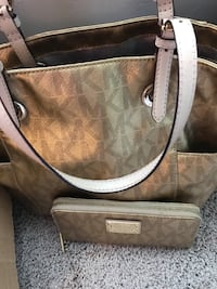brown and gray Coach monogram leather tote bag Addison, 75001