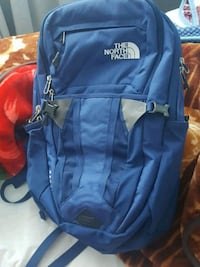 North face the recon back pack 30L