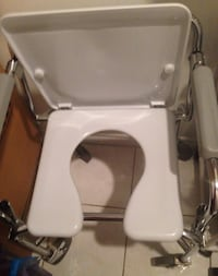 Commode Mississauga, L4T 1B2