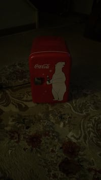 Coca Cola hold 8 can of pop or water Columbus, 43207