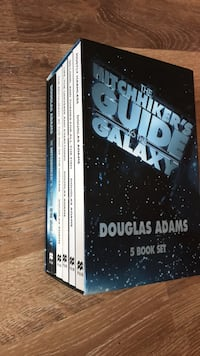 The Hitchhikers Guide To The Galaxy 5 Book Set 1175 km