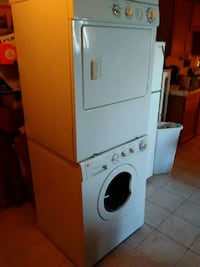 white front-load clothes washer Council Bluffs, 51503