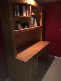 Wooden desk with attached book shelf LIKE NEW!! Valencia