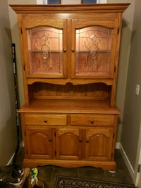 Antique Buffet & Hutch w/ Lighted Display **EXCELLENT CONDITION** Calgary, T2Z 4L6