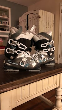 pair of black-and-white Tecnica snow boots Las Vegas, 89128