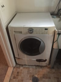 white front-load clothes washer Eastpointe, 48021
