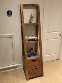 Wall Shelf Unit Toronto, M6P 0A9
