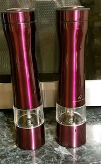 NEW Wolfgang Puck Spice Grinders  Hobart
