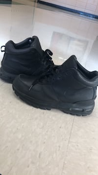 nike boots size 11 Columbia