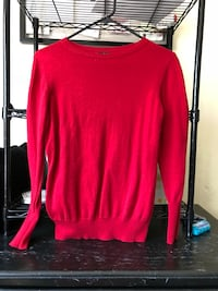red crew-neck sweatshirt Los Angeles, 90042